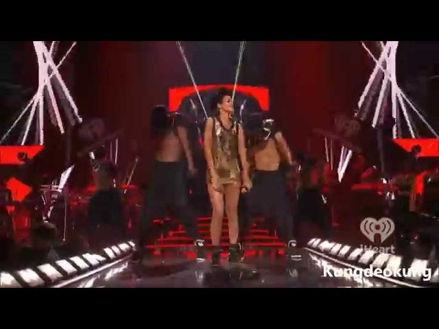 Rihanna Disturbia SM (Live iHeartRadio Festival 2012)
