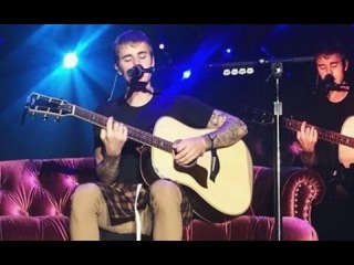 Justin Bieber - Cold Water / Love Yourself (Prague, live 2016)