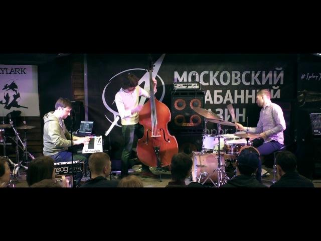 САША МАШИН - барабанный мастер-класс 04.03.17 в Московском Барабанном Магазине МУЗИ ...