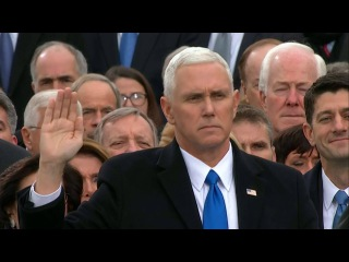 Приведение к присяге Вице-президента США Майкла Пенса
