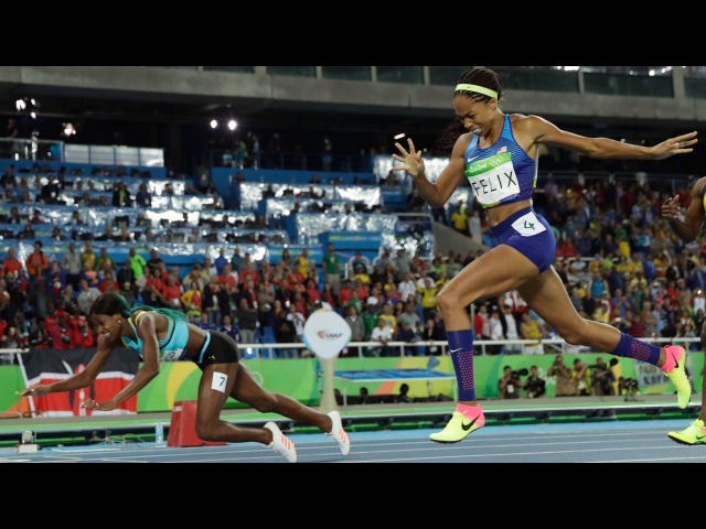 Women's 400m finals Rio Olympics   Shaunae Miller DIVES to beat Allyson Felix