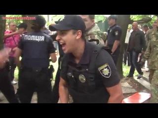 22 июля 2016. Днепропетровск. Батальон Днепр-1 сносит незаконные ларьки евромайдановцев