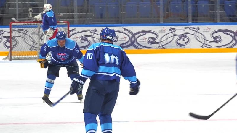 Тренировка Игоря Ларионова, Павла Буре и других игроков сборной России Лиги легенд мирового хоккея