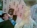 Девушка лижет жопу своему парню