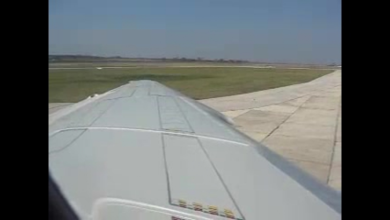 Cubana Ilyushin IL-62M engine start - window view
