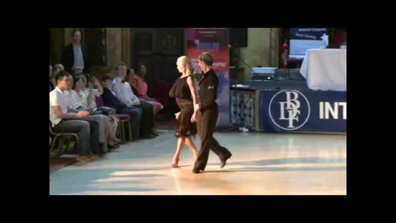 Riccardo Cocchi Yulia Zagoruychenko | основная задача танца Самба. Конгресс Блэкпул