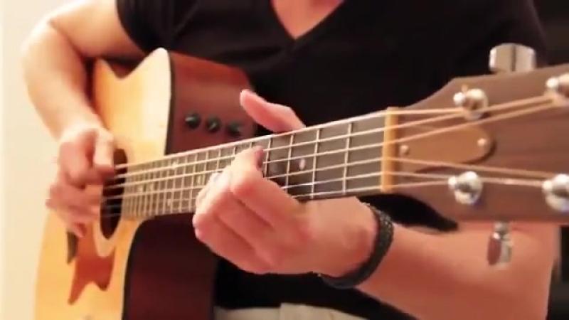 Невероятный виртуоз-гитарист.mp4