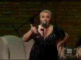 Пример отличного публичного выступления!  Теона Контридзе исполняет песню