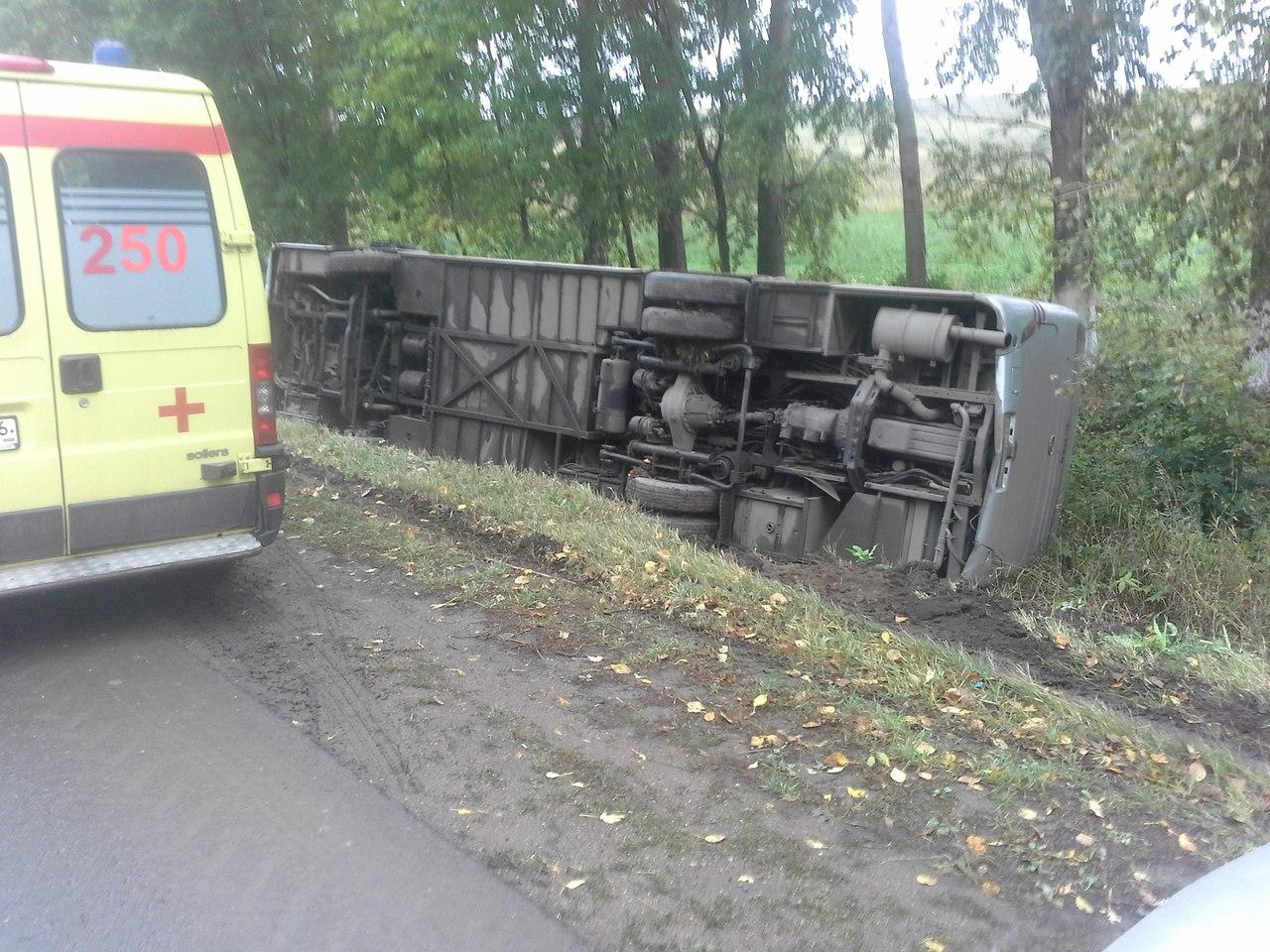 ВЛениногорске опрокинулся междугородний автобус