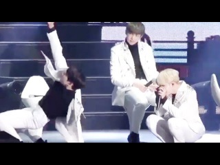 Jungkook imitating Hoseok's 'Boy Meets Evil' choreography ft. camera man Jimin