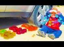 Bad Baby ДЖОКЕР Раздавил Мармеладных МИШЕК FREAKY Joker Crushes Gummy Bears Under Car Crying Baby