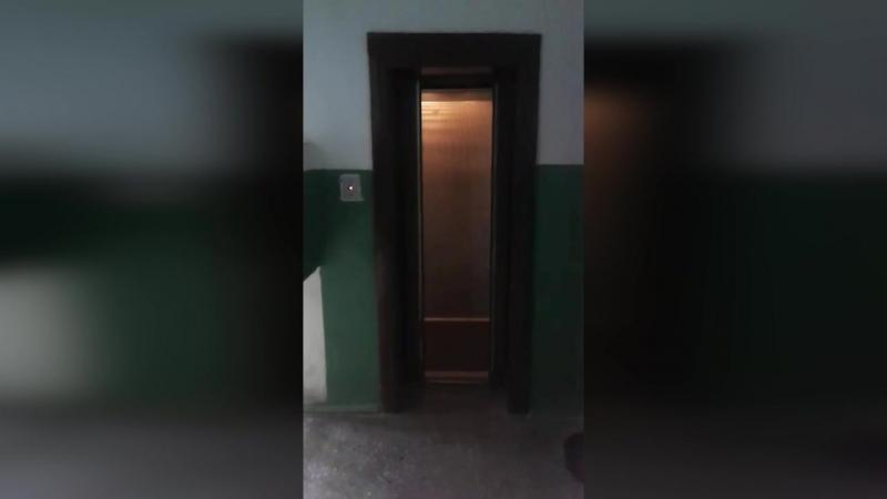 Самый дорогой автономный лифт в городе. Днепровская 35 (3 подъезд)