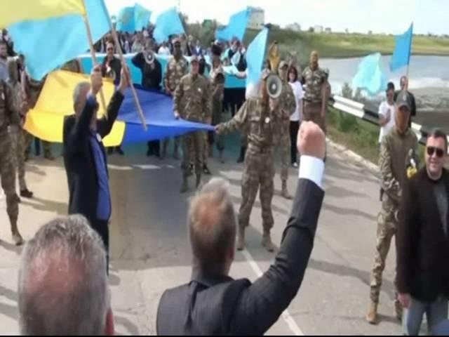 Путин, сдавайся, демон, - херсонские чиновники во главе с губернатором Гордеевым поют политический хит Путин-хйло на админгранице с Крымом