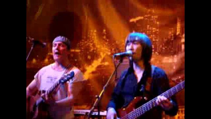 Коридор Заколочено окно live 2009