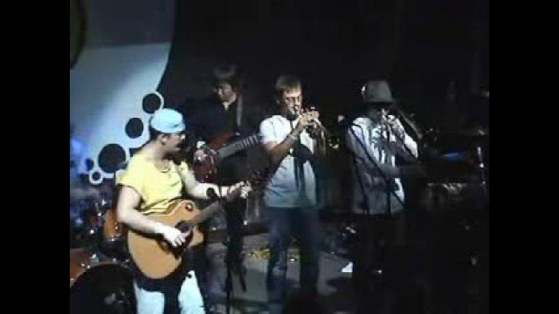 Коридор Заколочено окно live 2008