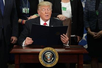 Трамп подписал указы об иммиграции и охране границ