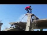Как правильно падать на бетон