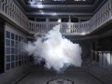 Странные вещи падают с Купола Плоской Земли, например, искусственное облако