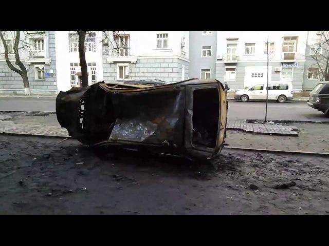 На перехресті вул Шовковичної та вул Інститутської 21 02 2014 о 15 45