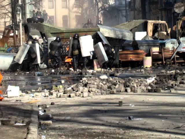 Бойові дії на розі Інститутської та Шовковичної 18 лютого