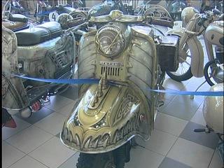Реставратор мотоциклов военных времен