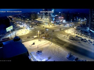 Получил под зад в Челябинске.