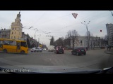 Водители не знают правил проезда перекрестка