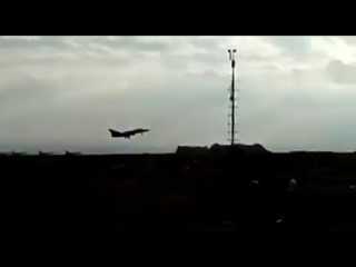Взлет Су-24 с аэродрома Aт-Тейфор