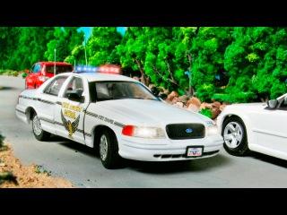 Полицейская машина Спешит на Помощь Мультики про МАШИНКИ Развивающие мультфиль...