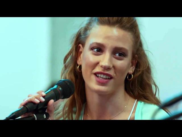 Serenay Sarıkaya-Çağatay Ulusoy Beni Benimle Bırak Giderken Düet