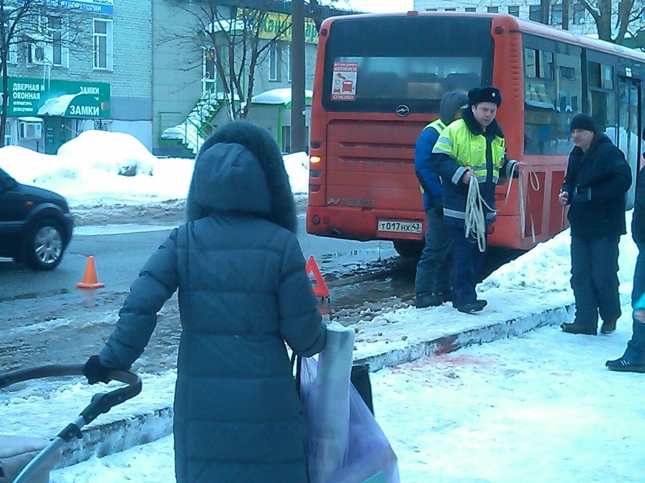 ВКирове автобус переехал пенсионерку: женщина погибла