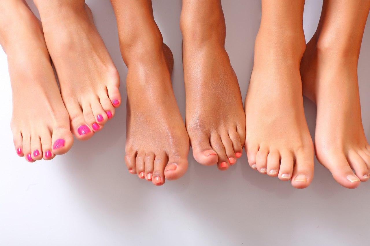 Онихомикоз, также известный как опоясывающий лишай, является грибковой инфекцией ногтя.