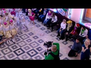 Репортаж со встречи деда мороза и телеканала нтв  в Барнауле
