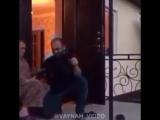 Ингушка стреляет из Автомата