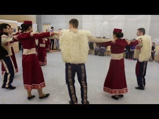 """Ансамбль Армянских Традиционных Танцев """"Зартонк""""- Папури"""