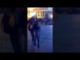 Цыганские танцы в центре города девушка красотка