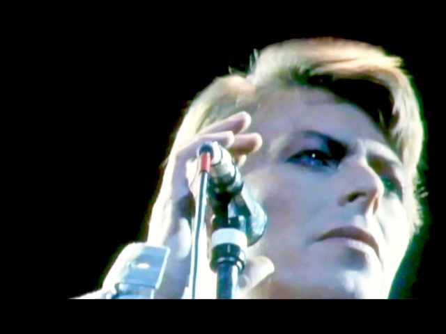 David Bowie – Heroes (Live at Earls Court, 1978)