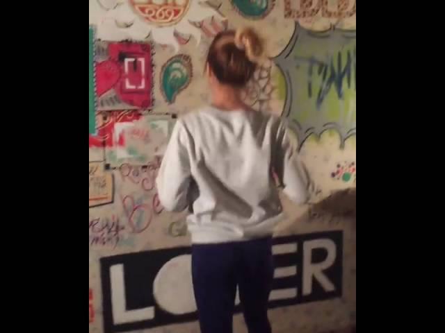Алена Двойченкова танцует под Die Antwoord instagram Танцы Little Big