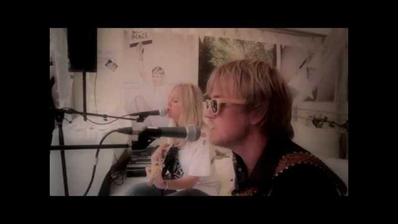 Lissie feat. Øystein Greni (Bigbang) - When Im Alone (Live @ Slottsfjell festival 2010)
