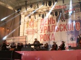 Евгений Куйвашев поздравил уральцев с 30-летием Свердловского рок - клуба