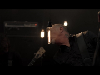 Metallica - Moth Into Flame (Official Music Video)
