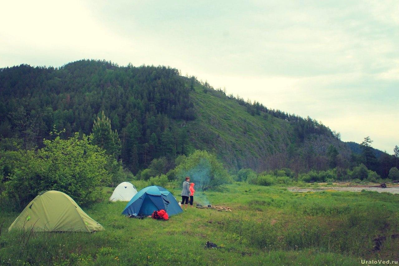 Лагерь на берегу Тирляна