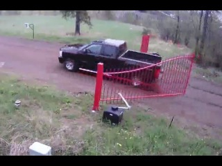 LiveLeak - Don't Fuck With The Gate!