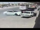 LiveLeak - Reckless driver hits and breaks a man leg