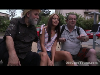 [oldgoesyoung] sofia like (sofia like showing old tourists the way to her pussy/молодая девушка трахается со стариками)