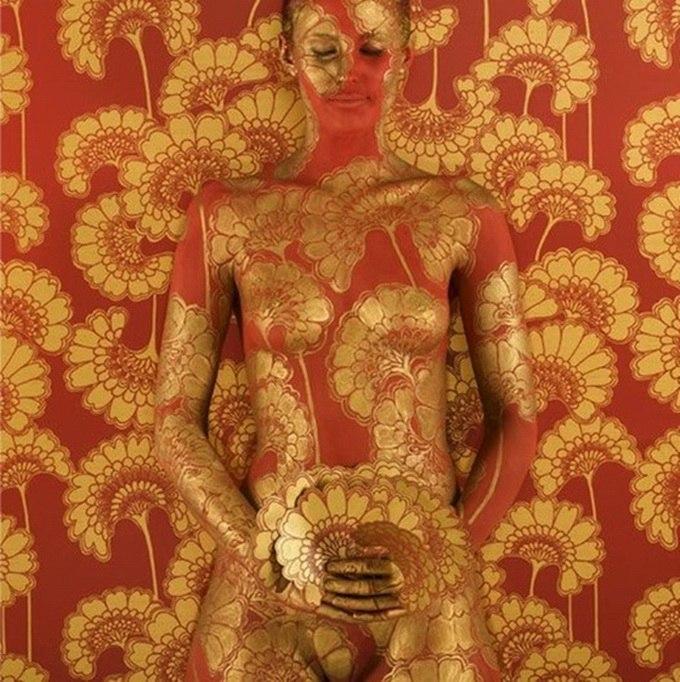 Художница, живущая в Аделаиде, Эмма Хэк (Emma Hack) - иллюстратор кожи, фотограф и скульптор.