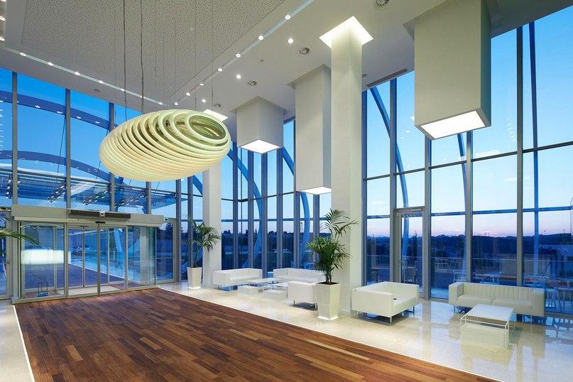Многофункциональное здание для компании Tema Istanbul в Турции  Здание для компании по продаже недвижимости Tema Istanbul расположено в Стамбуле, Турция.