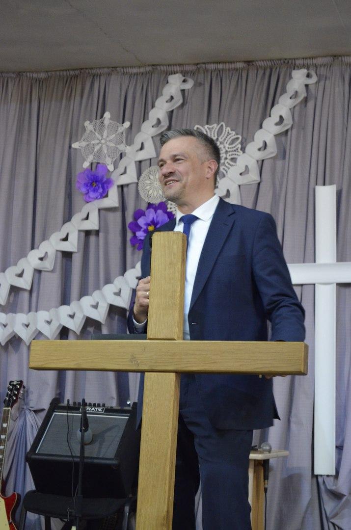 пастор Денис Правозоров