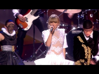 Taylor Swift - I Knew You Were Trouble (Live at Brit Awards 2013)