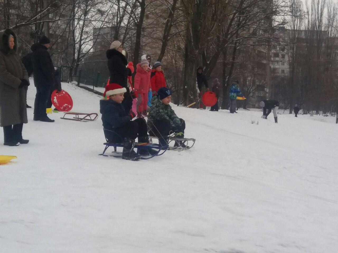 Взрослые в Харькове завидуют детям